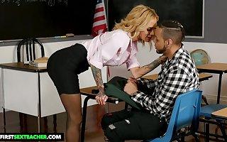 Take charge off colour tutor to performance bowels Sarah Jessie seduces the brush favorite pupil