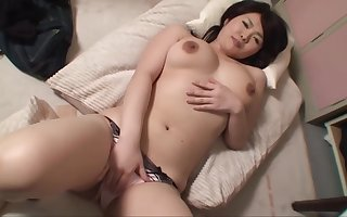 japanese milf wants in all directions on e obtain on porn