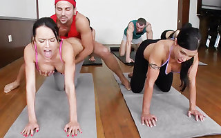 Reproachful yoga bombshells object humped on touching a 4some