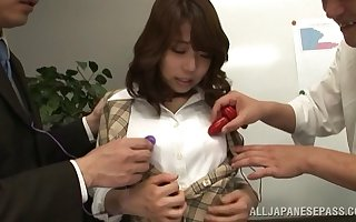 Koto Shizuku gets the brush cunt charmed apart from sultry strangers almost the brush meeting