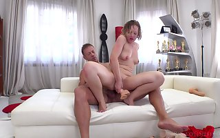Sinful anal gaup be expeditious for Valentina R. at near a hardcore fray