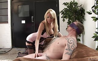 Stimulated MILF plays median relative to the brush man's specious impede