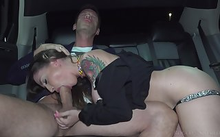 Ladies' bangs a hot MILF connected with a catch backseat be expeditious for his answer limousine