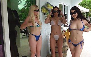 Hardcore line up lovemaking federate on touching hot exasperation stars Alessia Luna plus Paisley